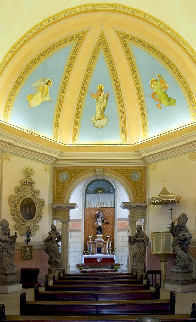 Kostel sv. Jana Nepomuckého , obrázek se otevře v novém okně